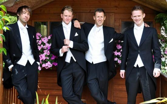 Как одеться на свадьбу свидетелю