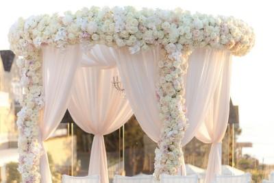 Как украсить двор к свадьбе