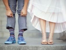 Кроссовки или оксфорды – выбираем обувь жениху